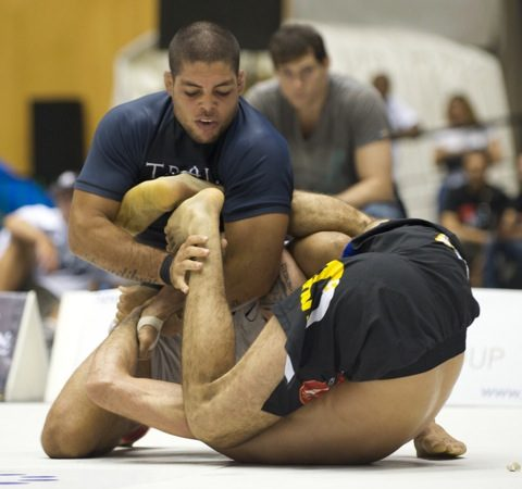 Released from Strikeforce, André Galvão tries luck in TUF