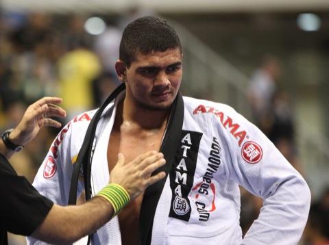 Braga Neto confia no Jiu-Jitsu, mas não quer comparações com outros astros
