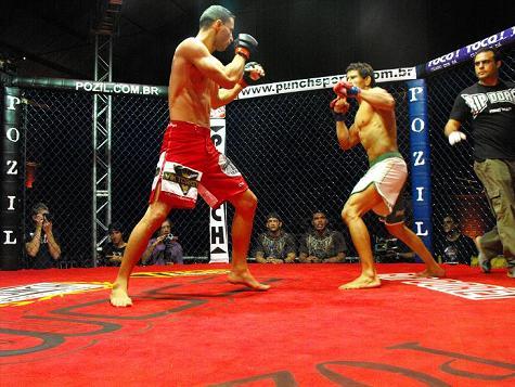 Assista combates como o de Eduardo Pachu. Foto: Rogério Gomes