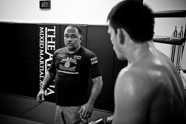 Final stretch: Demian trains with Xande, Nog and Cigano