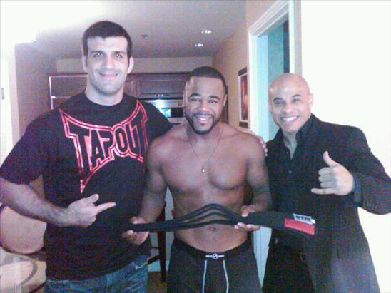 UFC: new BJJ black belt Evans beats Thiago Silva