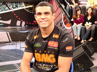 Belfort brushes up on muay thai to face Anderson in February