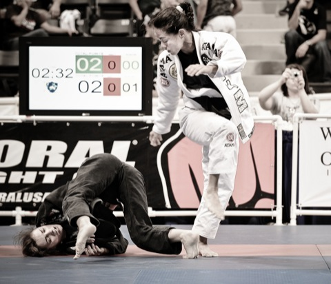 Do baú: Leticia Ribeiro x Michelle Nicolini no Mundial de Jiu-Jitsu 2009