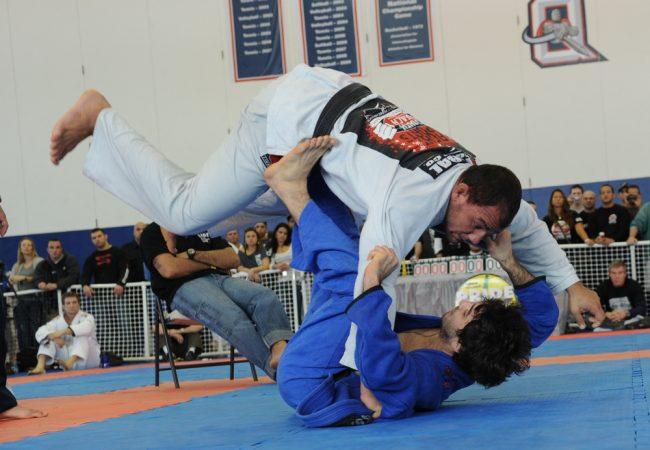 Vídeo: Estude os lances do craque Lucas Lepri e melhore seu Jiu-Jitsu