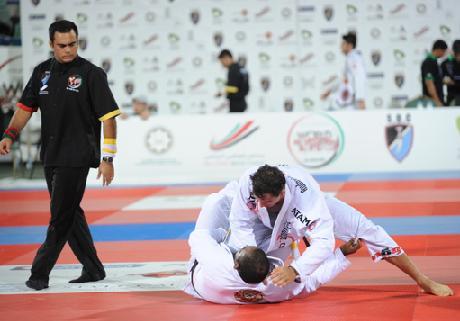 Barral finalizou todas as lutas e está na final. Foto: Luca Atalla
