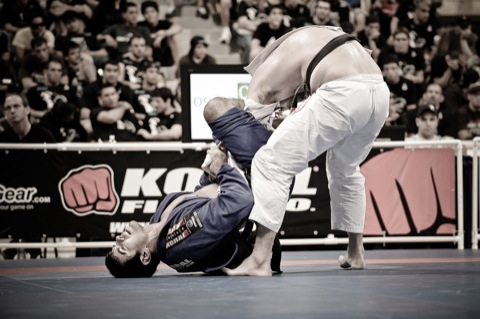 Assista à vitória de Rodrigo Cavaca no Sul-Americano de Jiu-Jitsu 2014