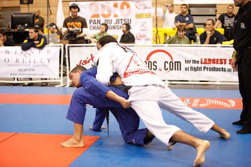 Pan 2010 finals: Bernardo wins heavyweight and open class