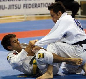 Qual é a diferença entre o faixa-branca e o faixa-preta no Jiu-Jitsu?