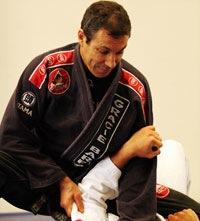Do baú: reveja mestre Carlinhos Gracie em ação no Jiu-Jitsu