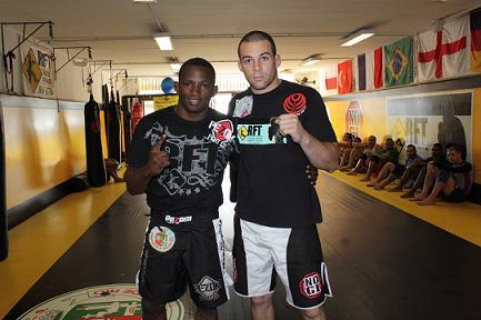 Bellator: PQD finaliza e Cosmo perde na estreia no MMA