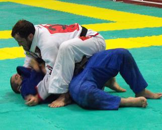 Telles dá seminário na academia de Shaolin