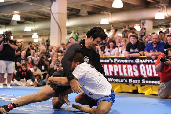 Veja as melhores imagens do Jiu-Jitsu na UFC Fan Expo