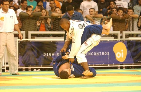 Relembre o primeiro encontro de Roger e Jacaré no Mundial de Jiu-Jitsu