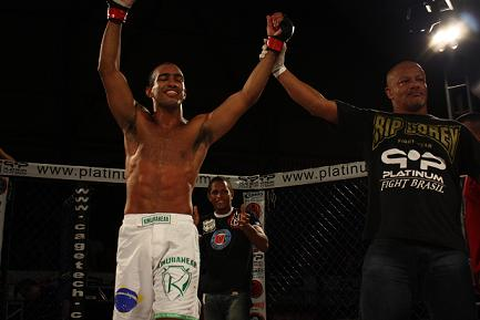 Quick fights and new challenger defined at Shooto BR
