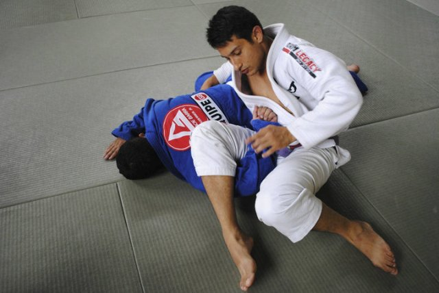 Thanks to Bruce Lee, Royce Gracie close to teaching in Colombia