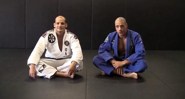 Aprenda com Xande e Lovato um arsenal de técnicas para atacar as costas