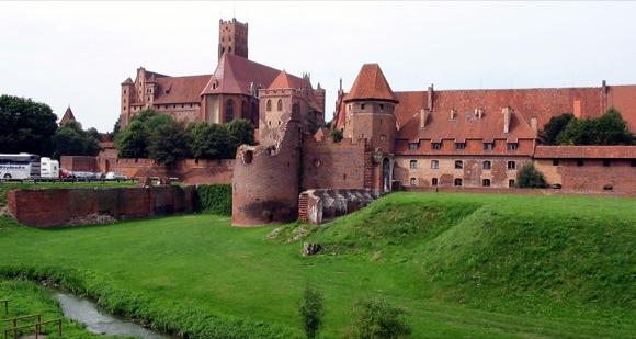 MMA em castelo medieval na Europa