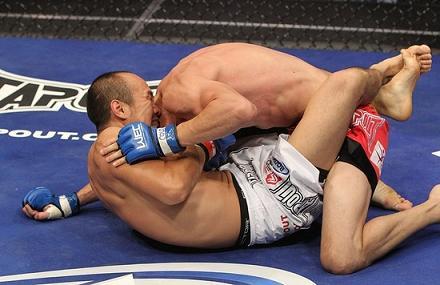 Chinese UFC fighter receives Jiu-Jitsu brown belt