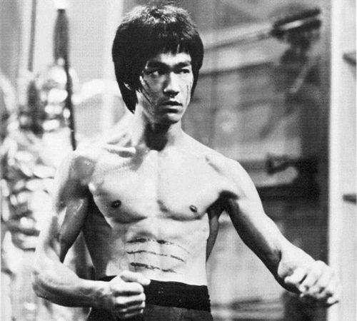 Reveja Bruce Lee x Demian Maia no game do UFC