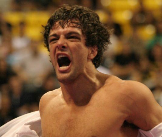 Robson Moura celebra mais um título mundial da IBJJF, na Califórnia. Foto: Alicia Anthony/GRACIEMAG