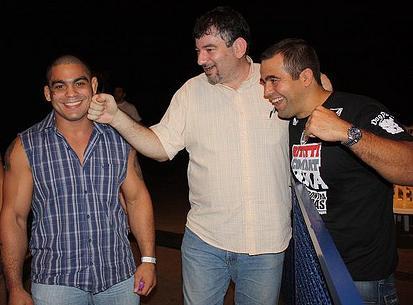 Os organizadores Bitetti e Chacur com Paulo Filho. Foto: Carlos Ozório.