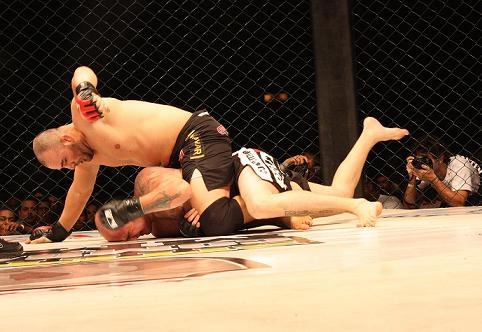 The only one to accept fight with Glover Teixeira