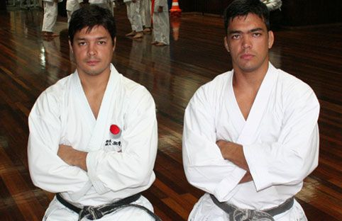 Chinzô volta a atuar no MMA, sempre com o apoio do irmão Lyoto. Foto: Arquivos GRACIEMAG