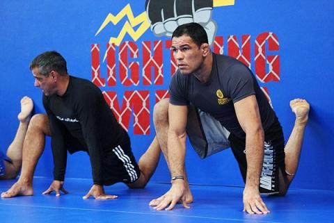Mino working hard to fight at UFC Rio