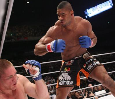 Sob condições, Overeem é confirmado na luta contra Brock Lesnar