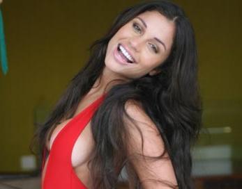 Em BBB da faixa-branca Maria, Boninho alivia no muay thai
