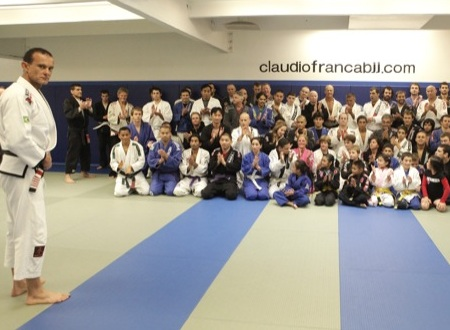 Claudio França promotes black belt seminar and toy drive