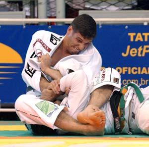 Glover contra Pé de Pano, Murilo contra japonês no Rio