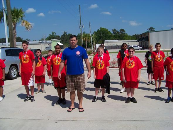 Ellwanger teaches young Marines self-defense class