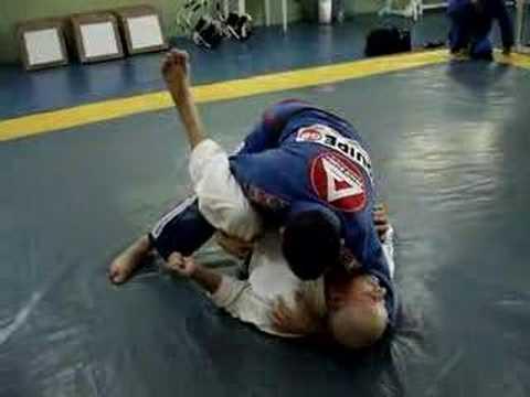 Como você treina para pegar as costas no Jiu-Jitsu?