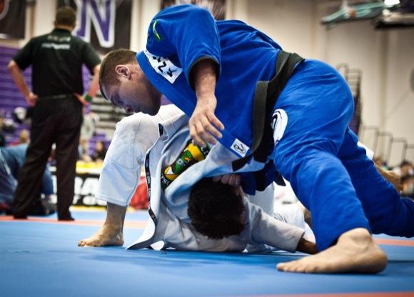 Jiu-Jitsu: Veja como Gabriel Napão estrangulou com a lapela no Boston Open