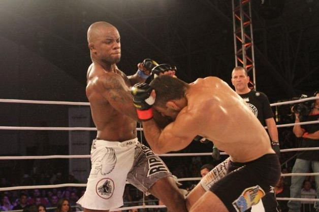 Wendell Negão wins at Jungle Fight