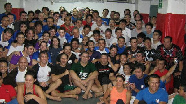Velasquez in Mexico brushing up on Jiu-Jitsu for Lesnar