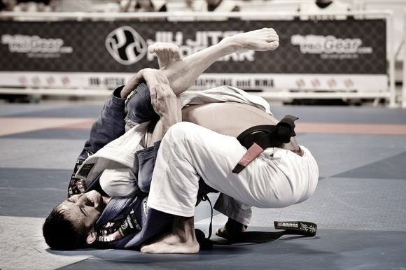 Caio demonstrates positions at Redhouse BJJ