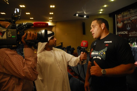 Carlão interviewed by Abu Dhabi TV. Photo: Publicity