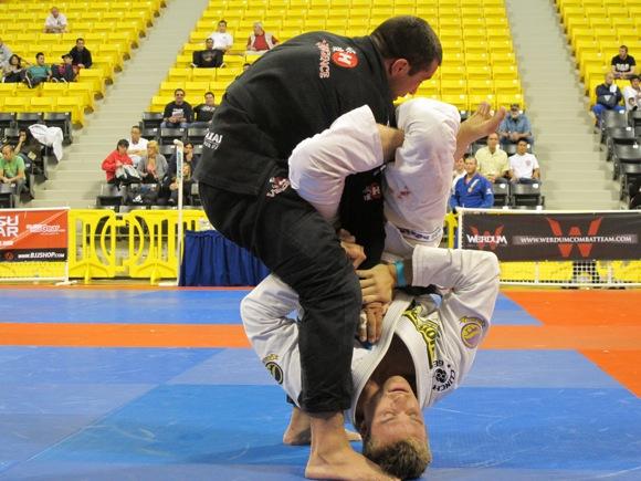O adversário tentou derrubar no Jiu-Jitsu? Surpreenda na omoplata