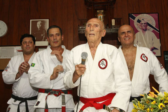 Helio Gracie, one of 4 faces of Brazil according to TV channel