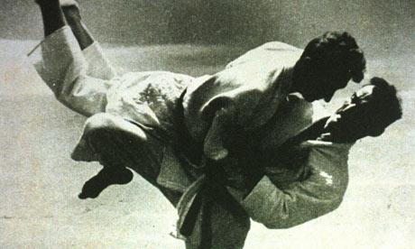 O treino de Helio Gracie contra o filho Rickson