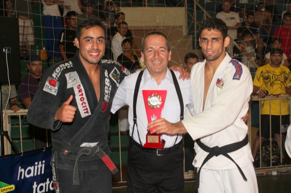 Absolutes Leandro and Talita win ticket to 2011 Worlds
