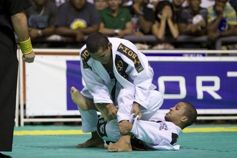 Malfacine wins third world title on advantages