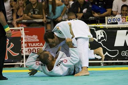 Jungle Fight debuts in Natal in grand style