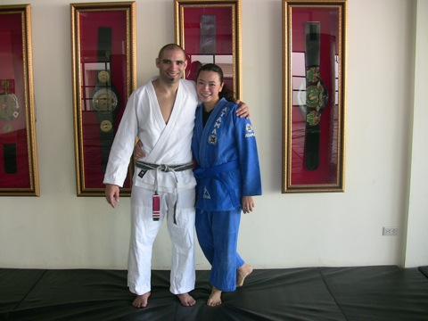 Jiu-Jitsu has a lady blue belt in the land of Muay Thai