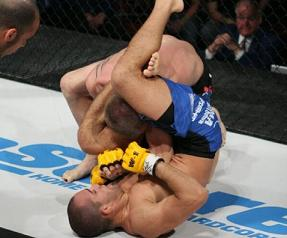 Jorge Britto with submission win in Canada