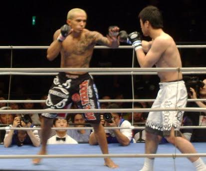 Chiquerim keeps Shooto World belt