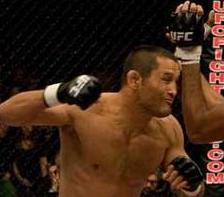 Signed by Strikeforce, Henderson already considers facing Fedor