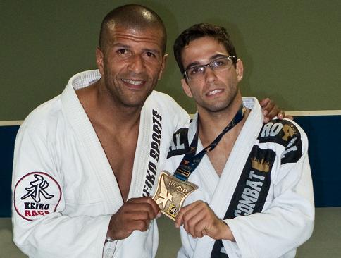 """O bravo """"Lalau"""" e seu mestre, Givanildo Santana. Foto: Acervo Pessoal."""
